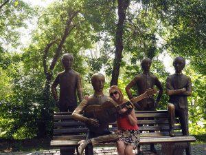 Beatles-Denkmal auf dem Kök Töbe